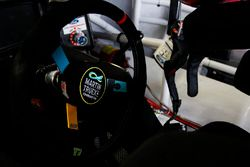 Il volante di Martin Truex Jr., Furniture Row Racing Toyota