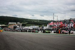 Cars in the starting grid