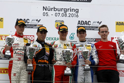 Podium: Sieger Mick Schumacher, Prema Powerteam; 2. Joseph Mawson, Van Amersfoort Racing; 3. Mike Da