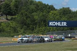 Start: #15 Multimatic Motorsports, Mustang Boss 302R: Billy Johnson, Scott Maxwell leads the field t