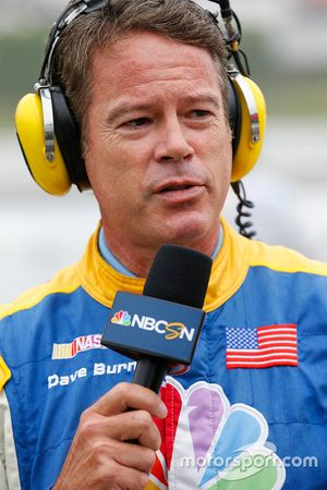 NBC sunucusu Dave Burns
