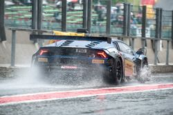 Lluvia #101 Attempto Racing, Lamborghini Huracan GT3: Fabio Babini, Patric Niederhauser, Daniel Zamp