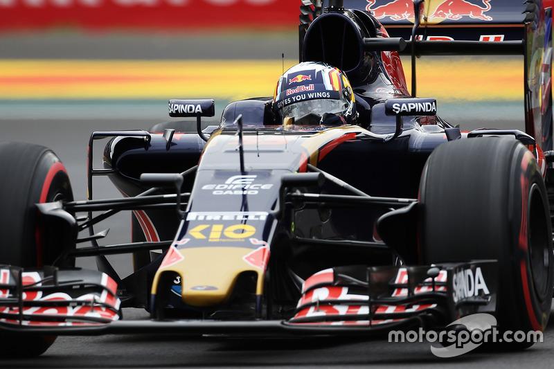 2016 год. За рулем болида Toro Rosso STR11 на первой пятничной тренировке
