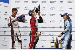 Podio: il vincitore della gara Sacha Fenestraz, Tech 1 Racing