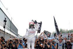 Race winne Lucas Auer, Mercedes-AMG Team Mücke, Mercedes-AMG C63 DTM