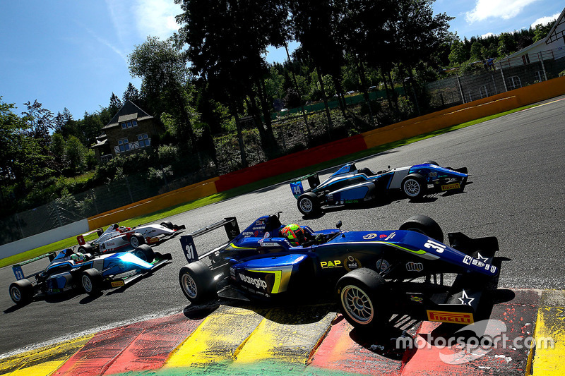 2016 - British F3