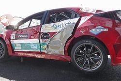 L'auto danneggiata di Kris Richard