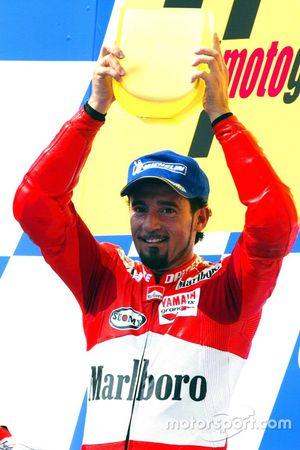 Podium: Race winner Max Biaggi, Marlboro Yamaha Team