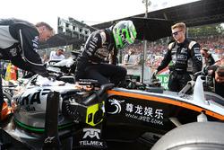 Nico Hulkenberg, Sahara Force India F1 VJM09 en la parrilla