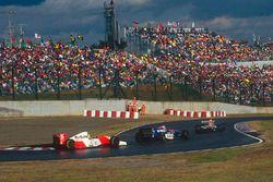 Айртон Сенна, McLaren Ford, и Эдди Ирвайн, Jordan Hart