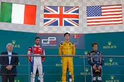 Podio: ganador Jack Aitken, Arden International, segundo lugar Antonio Fuoco, Trident, tercer lugar