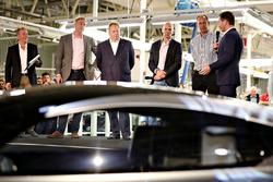 Red Bull Racing teambaas Christian Horner met David King, Vice President & Chief Special Operations
