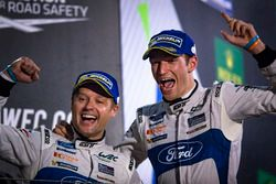 Podium GTE : Les vainqueurs, #67 Ford Chip Ganassi Racing Team UK Ford GT: Andy Priaulx, Harry Tincknell