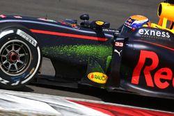 Max Verstappen, Red Bull Racing RB12, mit Flow-Viz-Farbe am Auto