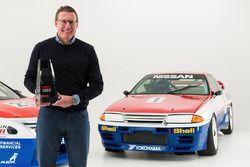 Michael Caruso ve Dean Fiore, Nissan Motorsports için özel retro renk düzeni