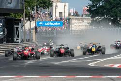 Partenza: Lance Stroll, Prema Powerteam Dallara F312 - Mercedes-Benz, Joel Eriksson, Motopark Dallar