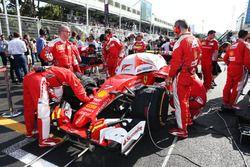 Kimi Raikkonen, Ferrari SF16-H sur la grille