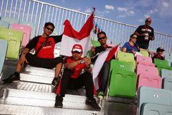 Rio Haryanto, Manor Racing fans