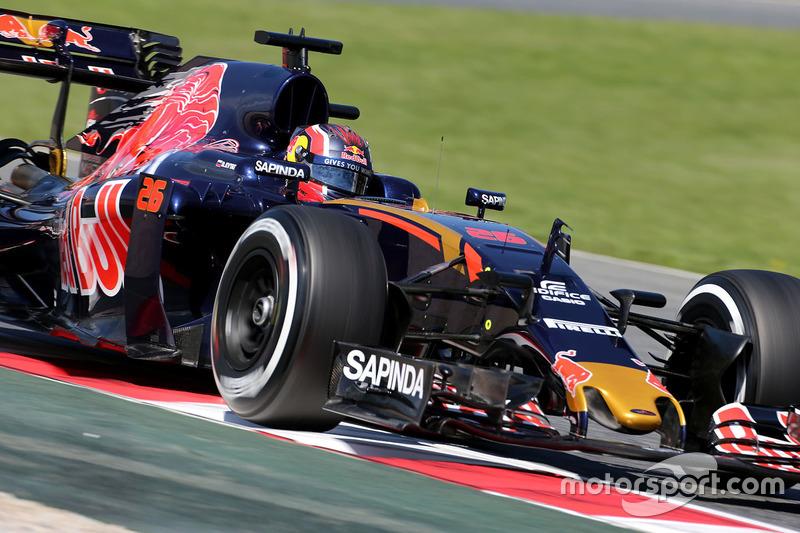 Daniil Kvyat, reestreando pela Toro Rosso, larga em 13º. Carlos Sainz Jr., companheiro de equipe, sai em 8º.