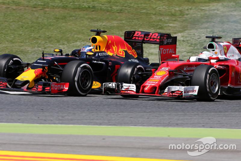Daniel Ricciardo e Sebastian Vettel protagonizaram um belo duelo pela terceira posição.