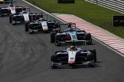Artur Janosz, Trident leads Richard Gonda, Jenzer Motorsport