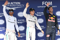 Le poleman Nico Rosberg, Mercedes AMG F1, le deuxième, Lewis Hamilton, Mercedes AMG F1, le troisième, Daniel Ricciardo, Red Bull Racing
