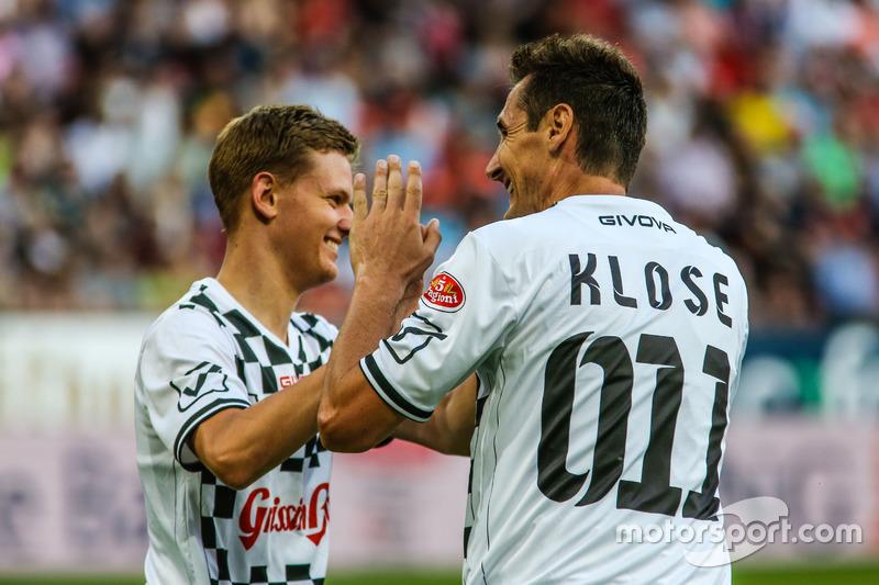 Miroslav Klose jugador de futbol y Mick Schumacher, Prema Powerteam