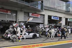 #1 Porsche Team Porsche 919 Hybrid: Timo Bernhard, Mark Webber, Brendon Hartley, #2 Porsche Team Porsche 919 Hybrid: Romain Dumas, Neel Jani, Marc Lieb