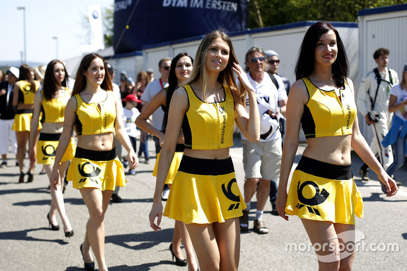 DTM grid girls
