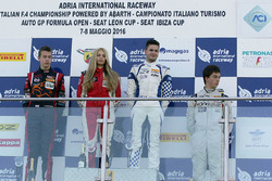 Podio de novato carrera 3: Simone Cunati, Vincenzo Sospiri Racing, Richard Verschoor, Bhaitech Engin