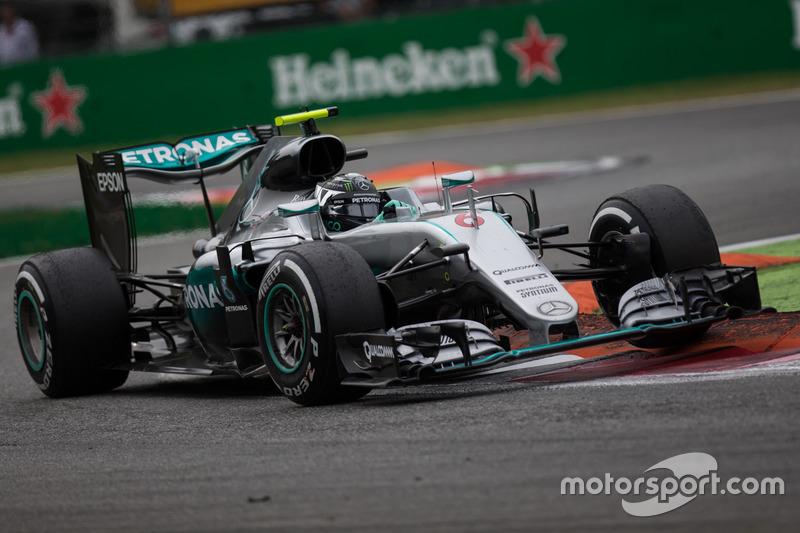 Mercedes, 2016: 248 pontos, sete vitórias, 2º no campeonato com sete etapas para o fim