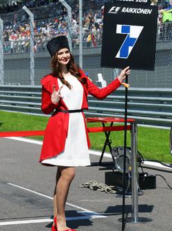 La Grid Girl de Kimi Raikkonen, Ferrari