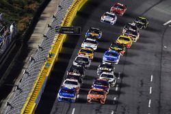 Kyle Larson, Chip Ganassi Racing, Chevrolet Camaro Credit One Bank, Daniel Suarez, Joe Gibbs Racing, Toyota Camry ARRIS