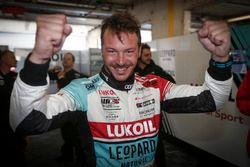 Pole position for Jean-Karl Vernay, Audi Sport Leopard Lukoil Team Audi RS 3 LMS