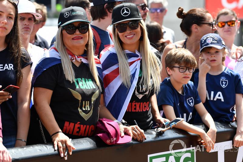 Des fans de Lewis Hamilton, Mercedes-AMG F1