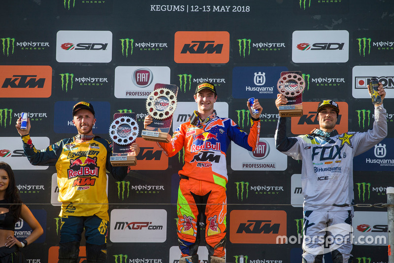 Winnaar Jeffrey Herlings, tweede Tony Cairoli, derde Gautier Paulin