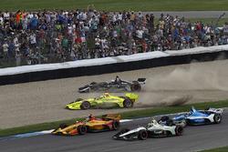 Simon Pagenaud, Team Penske Chevrolet, Jordan King, Ed Carpenter Racing Chevrolet, crash