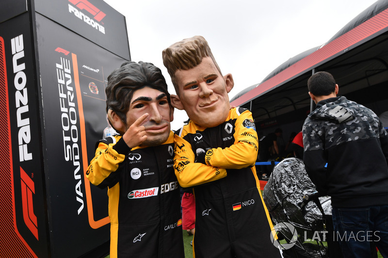 Carlos Sainz Jr., caricatura del Renault Sport F1 Team y Nico Hulkenberg, caricatura del Renault Sport F1 Team