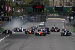 Départ : Nicholas Latifi, DAMS, devance Ralph Boschung, MP Motorsport