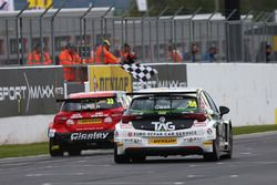 Adam Morgan, Ciceley Motorsport Mercedes-Benz A-Class, Josh Cook, Power Maxed Racing Vauxhall Astra
