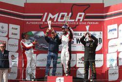 Podio TCR gara 2, Luigi Ferrara (42 Racing SA, Alfa Romeo Giulietta TCR #42), Enrico Bettera (Pit lane Competizioni,Audi RS3 LMS-TCR #69), Andrea Larini (Pit lane Cmpetizioni,Seat Leon Cupra-TCR #99)