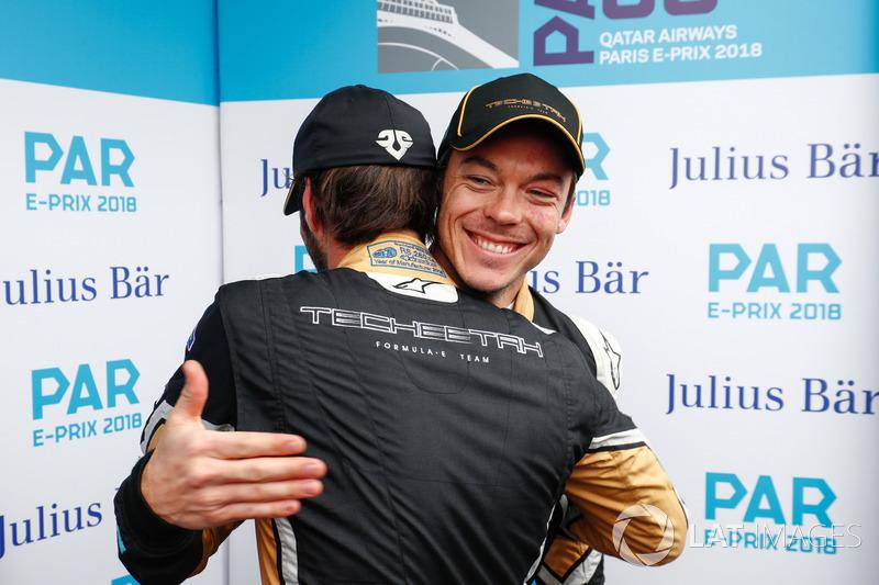 Andre Lotterer, Techeetah, congratulates Jean-Eric Vergne, Techeetah, on his pole position