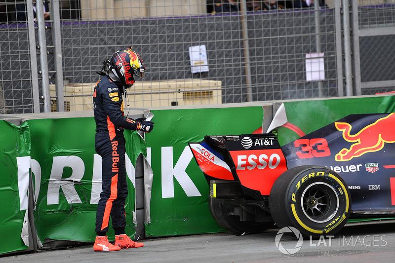 Авария: Макс Ферстаппен, Red Bull Racing RB14