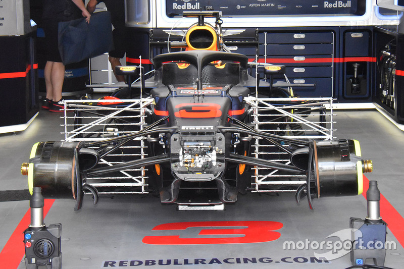 Red Bull Racing RB14 detalle frontal