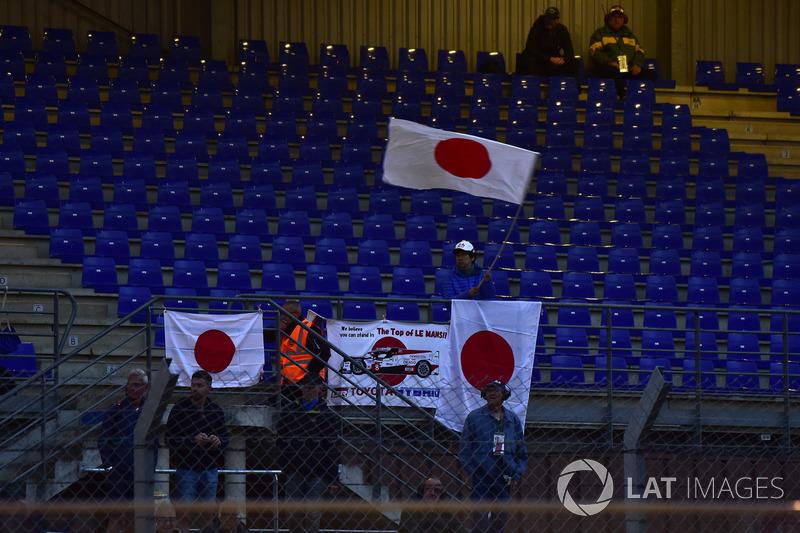 #8 Toyota Gazoo Racing fans