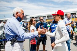 Lawrence Stroll wenst zijn zoon Lance Stroll, Williams Racing, succes