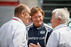 Charlie Whiting, FIA, Bruno Michel, y Marco Codello