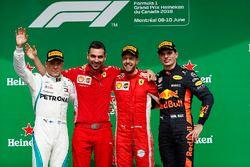 Sebastian Vettel, Ferrari, viert de zege op het podium met Valtteri Bottas, Mercedes AMG F1 en Max Verstappen, Red Bull Racing
