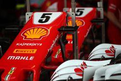 La nariz y el detalle de ala delantera de Sebastian Vettel, Ferrari SF70H