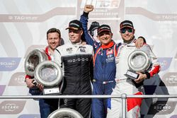 Podio: ganador de la carrera Gabriele Tarquini, BRC Racing Team Hyundai i30 N TCR, segundo lugar The